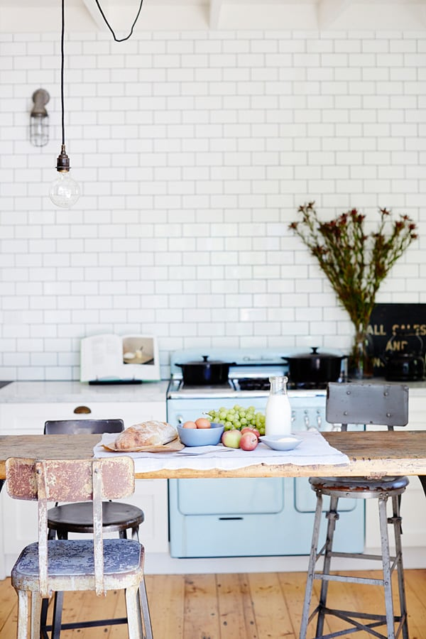 Subway Tile Kitchen Ideas-04-1 Kindesign
