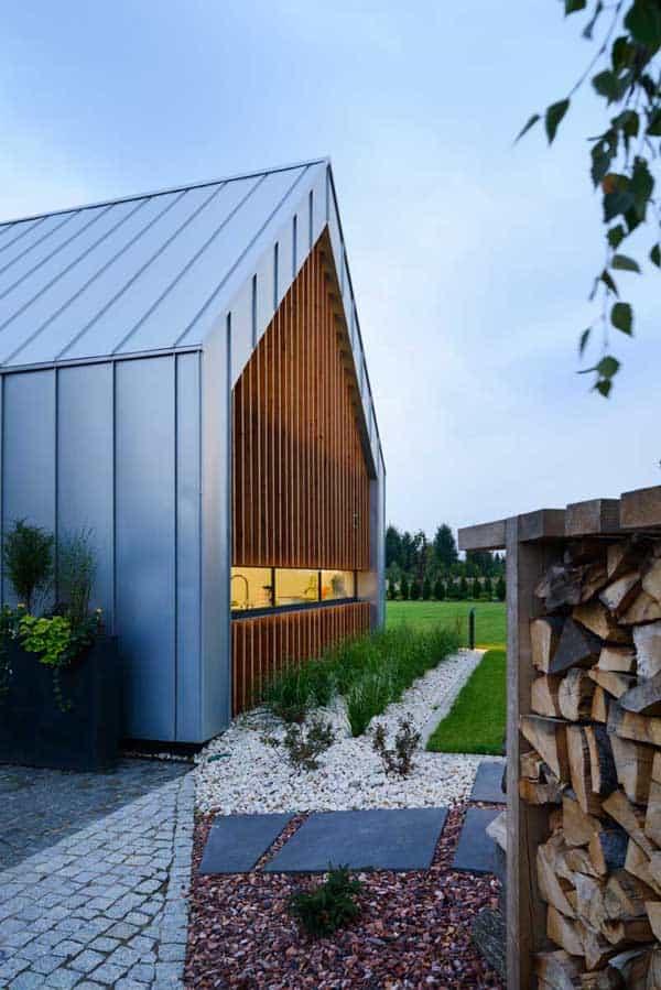 Two Barns House-RS-05-1 Kindesign