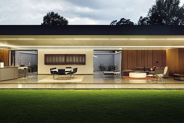 featured posts image for 02 House encourages luxury outdoor living in South Africa