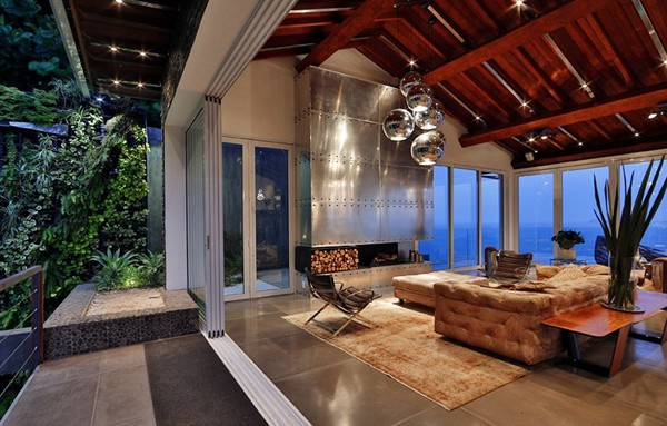 featured posts image for Sumptuous oceanfront loft exuding luxury in Rio De Janeiro