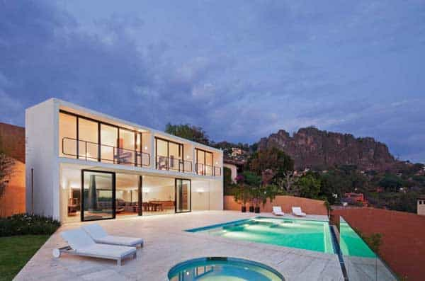 featured posts image for Volumetric home blurring the lines between indoor and outdoor in Mexico