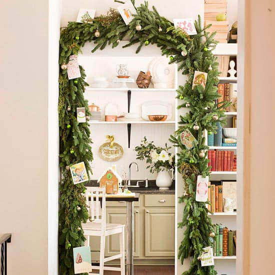 Christmas Decorating Ideas for Small Spaces-08-1 Kindesign