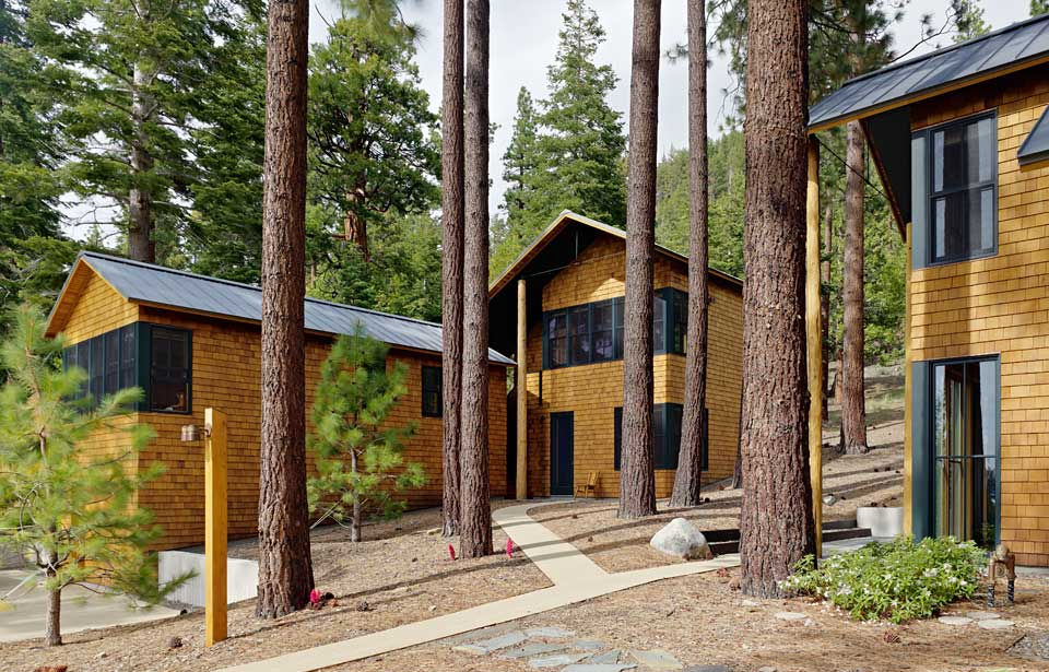 featured posts image for Stunning Lake Tahoe Residence nestled on a wooded landscape