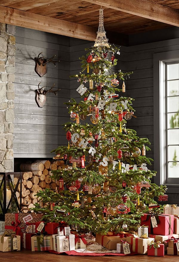 rustic christmas decorating ideas 30 1 kindesign - Barn Christmas Decorations