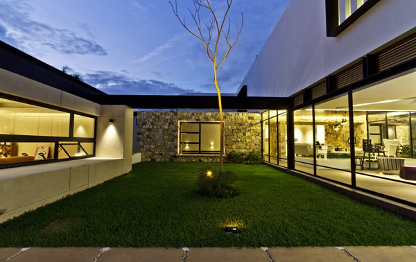 Temozon House-Carrillo Arquitectos y Asociados-17-1 Kindesign