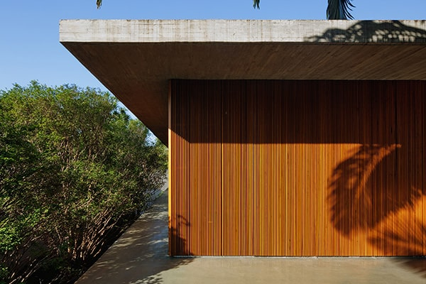 Toblerone House-studiomk27-31-1 Kindesign