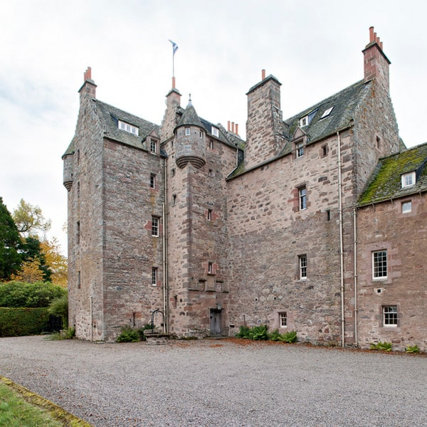 Dalcross Castle-Maxwell Company Architects-11-1 Kindesign
