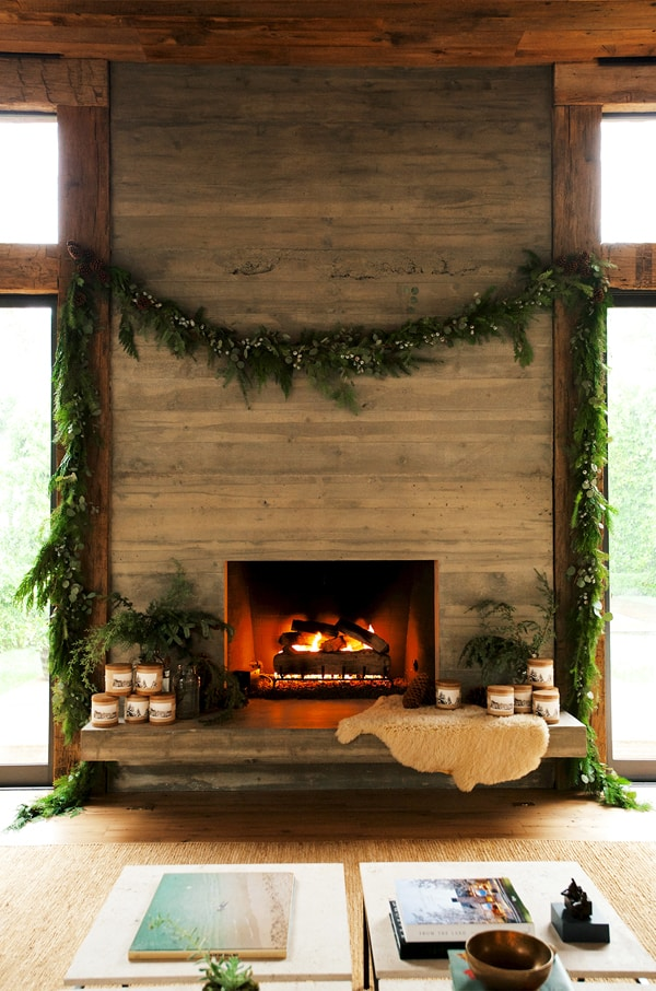 Fireplaces in Warm-Cozy Living Spaces-07-1 Kindesign