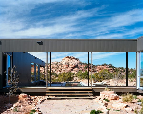 featured posts image for Striking modern prefab in the Moab desert: Hidden Valley Residence