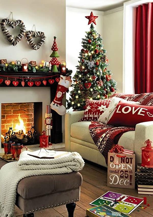 Modern Christmas Decorated Living Rooms-01-1 Kindesign