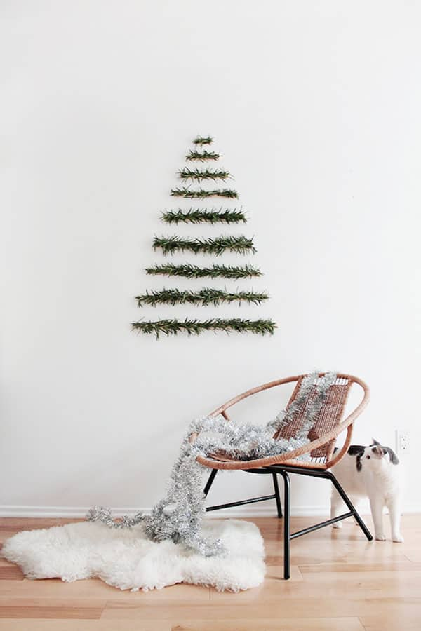 Modern Christmas Decorated Living Rooms-04-1 Kindesign