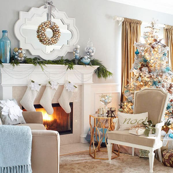 Modern Christmas Decorated Living Rooms-25-1 Kindesign