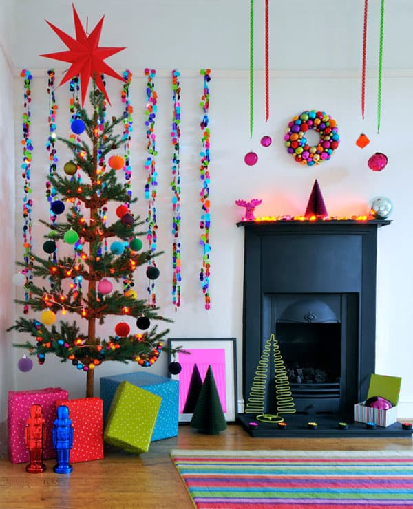Modern Christmas Decorated Living Rooms-27-1 Kindesign