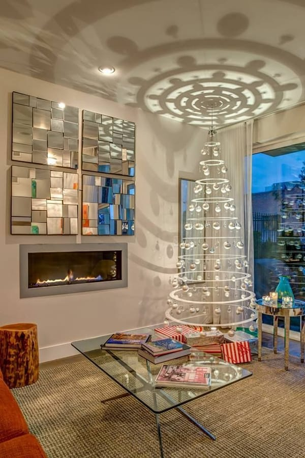 Modern Christmas Decorated Living Rooms-28-1 Kindesign