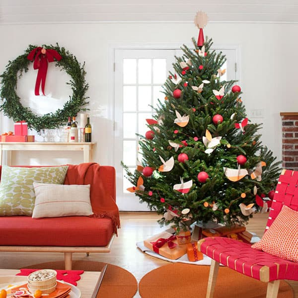 Modern Christmas Decorated Living Rooms-30-1 Kindesign