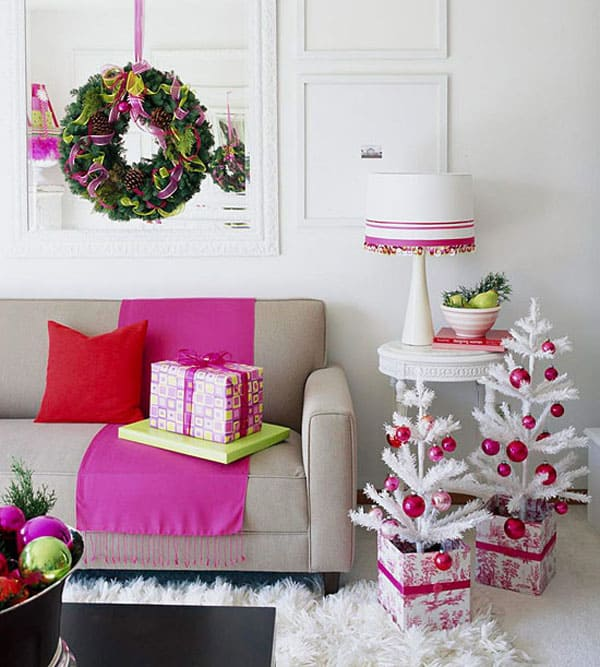 Modern Christmas Decorated Living Rooms-35-1 Kindesign