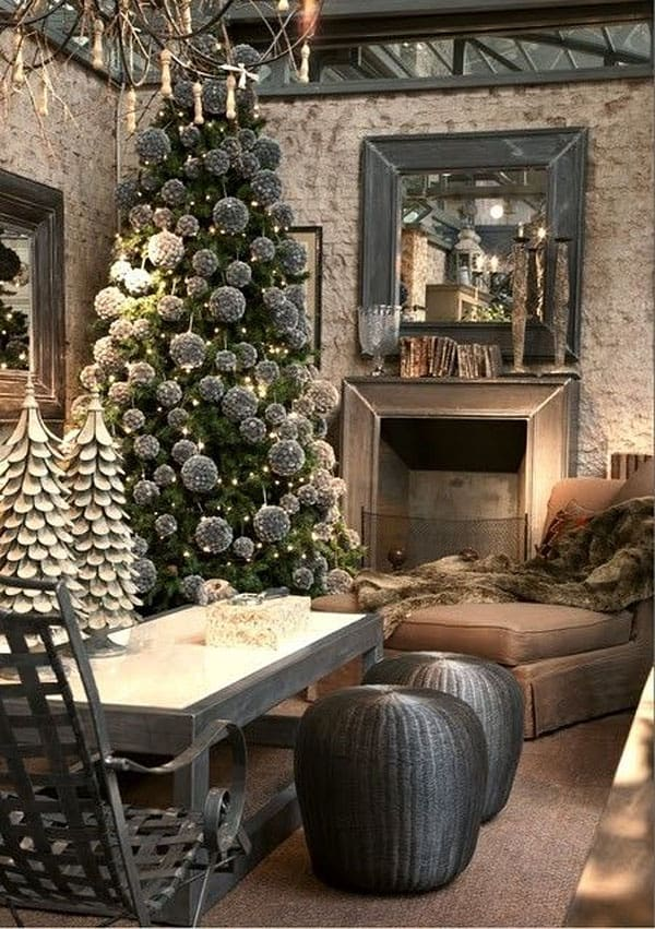 Modern Christmas Decorated Living Rooms-43-1 Kindesign