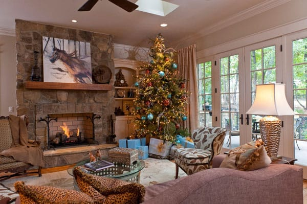 Modern Christmas Decorated Living Rooms-47-1 Kindesign