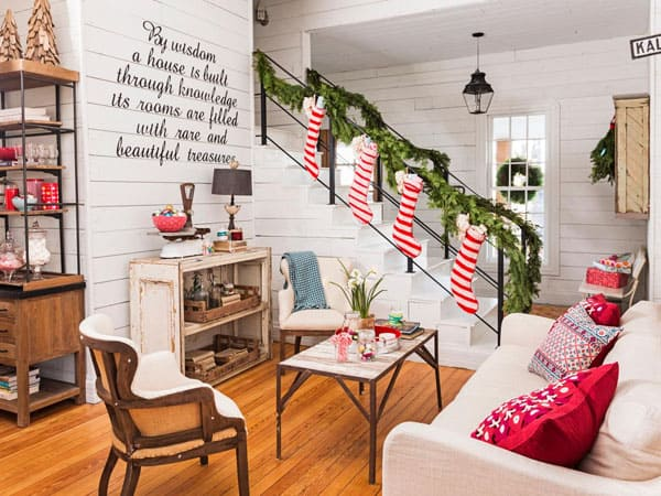 Modern Christmas Decorated Living Rooms-49-1 Kindesign