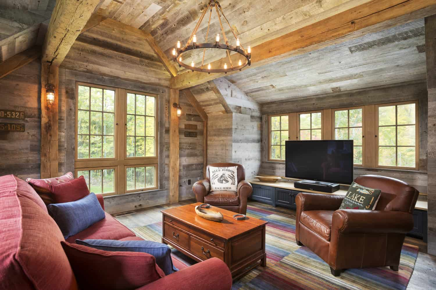 Northern Wisconsin Bunk House-John Kraemer Sons-08-1 Kindesign