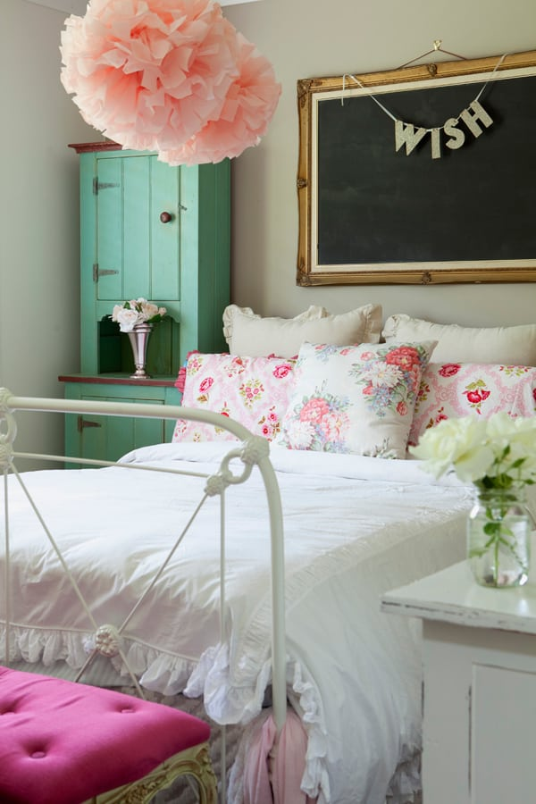 Chalkboard Headboard Ideas-10-1 Kindesign