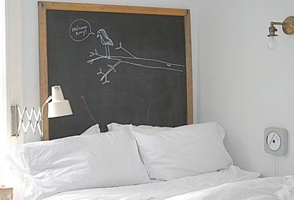 Chalkboard Headboard Ideas-17-1 Kindesign