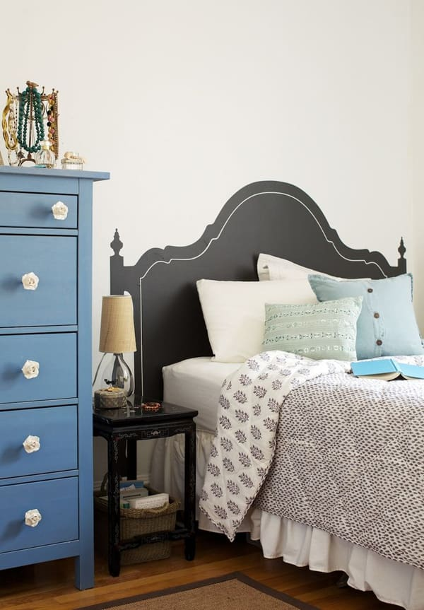 Chalkboard Headboard Ideas-39-1 Kindesign
