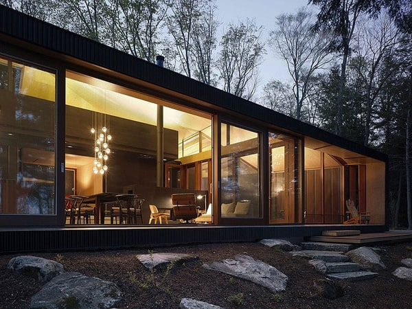 featured posts image for Modern lake house in Ontario: Clear Lake Cottage