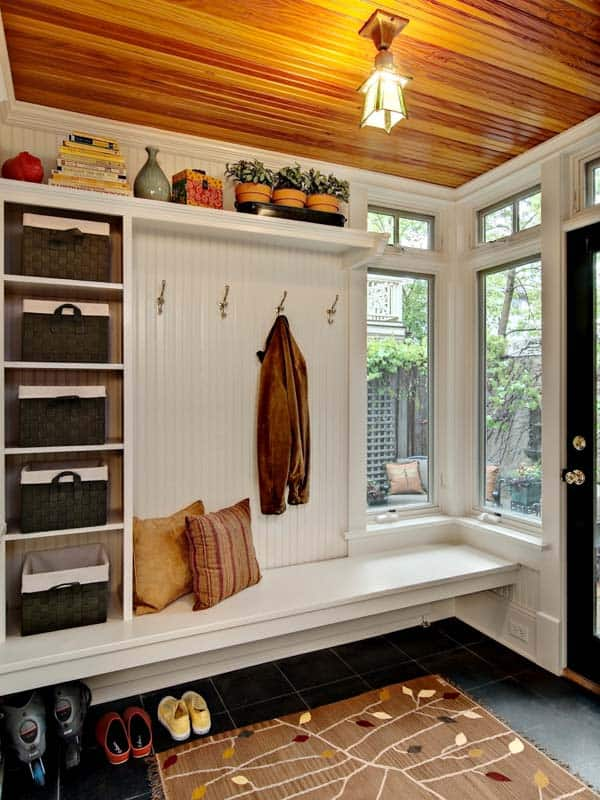 Mudroom Entry Design Ideas-03-1 Kindesign