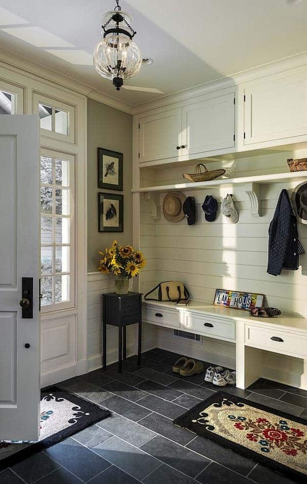 Mudroom Entry Design Ideas-07-1 Kindesign