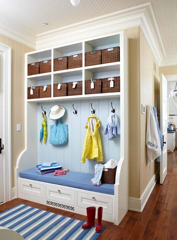 Mudroom Entry Design Ideas-09-1 Kindesign