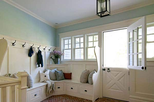 Mudroom Entry Design Ideas-11-1 Kindesign