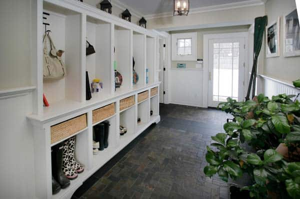 Mudroom Entry Design Ideas-12-1 Kindesign