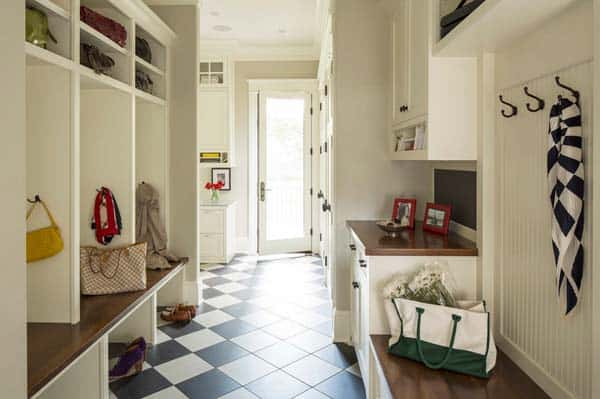 Mudroom Entry Design Ideas-15-1 Kindesign