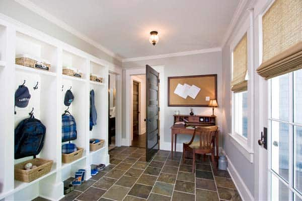Mudroom Entry Design Ideas-19-1 Kindesign
