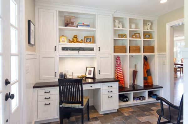 Mudroom Entry Design Ideas-20-1 Kindesign