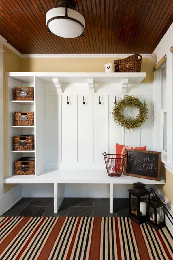 Mudroom Entry Design Ideas-21-1 Kindesign
