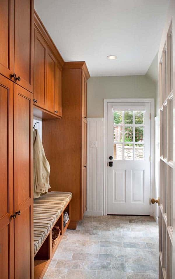 Mudroom Entry Design Ideas-23-1 Kindesign