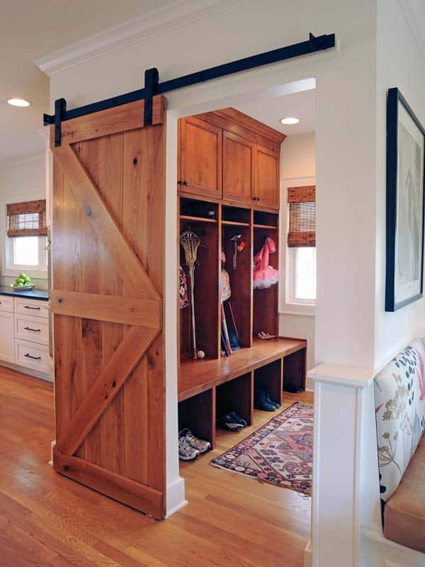 Mudroom Entry Design Ideas-27-1 Kindesign