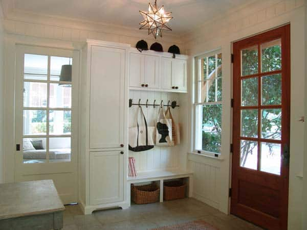 Mudroom Entry Design Ideas-32-1 Kindesign