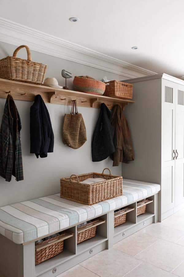 Mudroom Entry Design Ideas-40-1 Kindesign