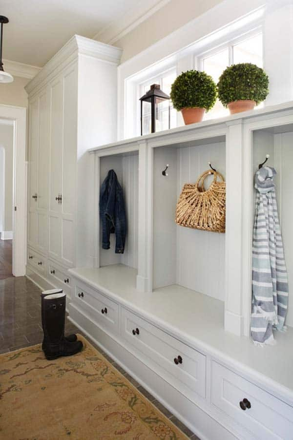 Mudroom Entry Design Ideas-42-1 Kindesign