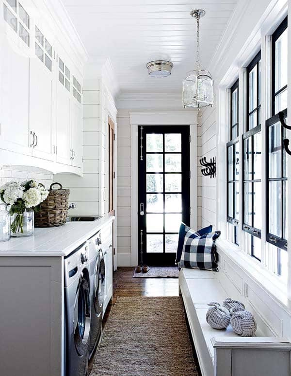 Mudroom Entry Design Ideas-49-1 Kindesign
