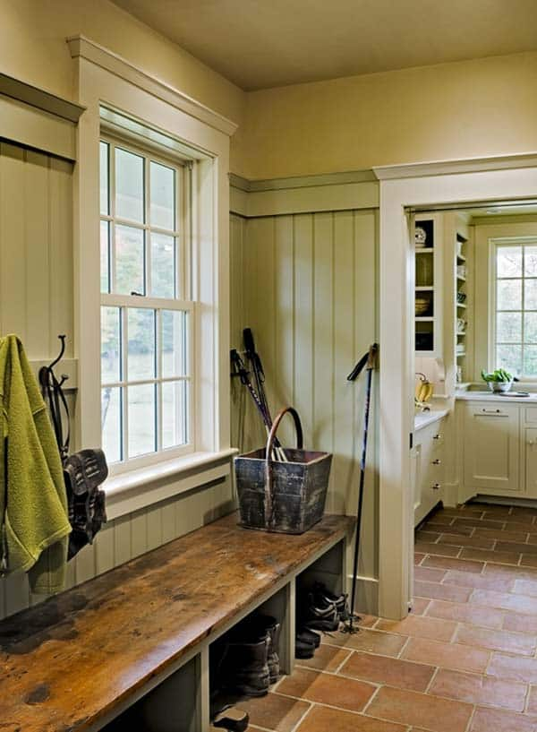 Mudroom Entry Design Ideas-52-1 Kindesign