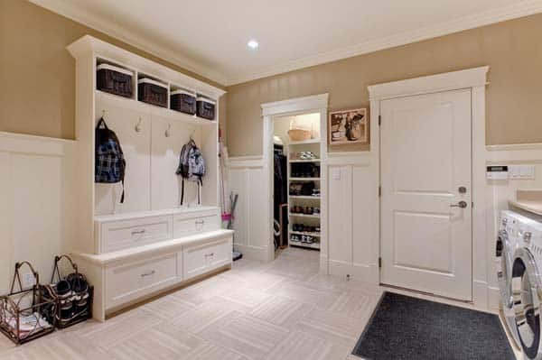 Mudroom Entry Design Ideas-54-1 Kindesign