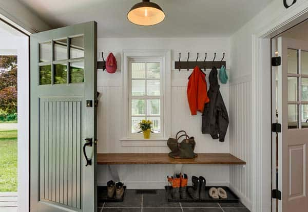 Mudroom Entry Design Ideas-55-1 Kindesign