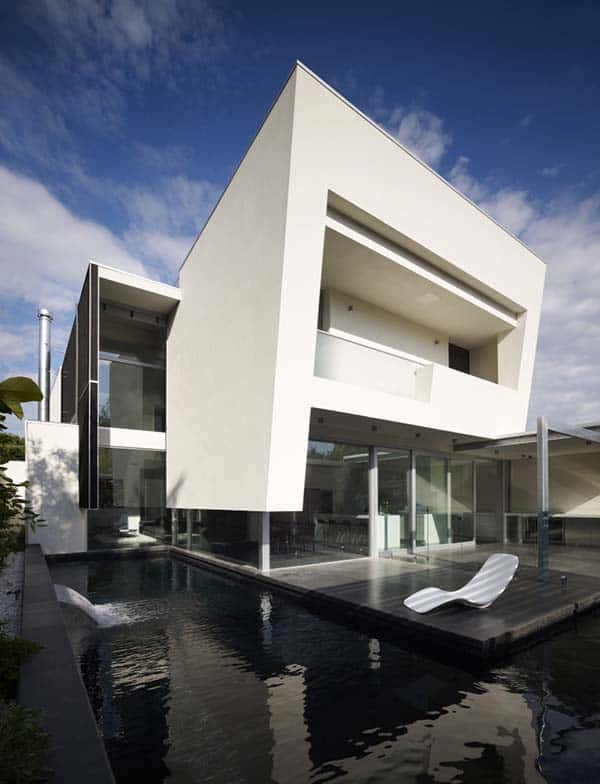 featured posts image for Cube-shaped forms and modern features in Robinson Road Residence
