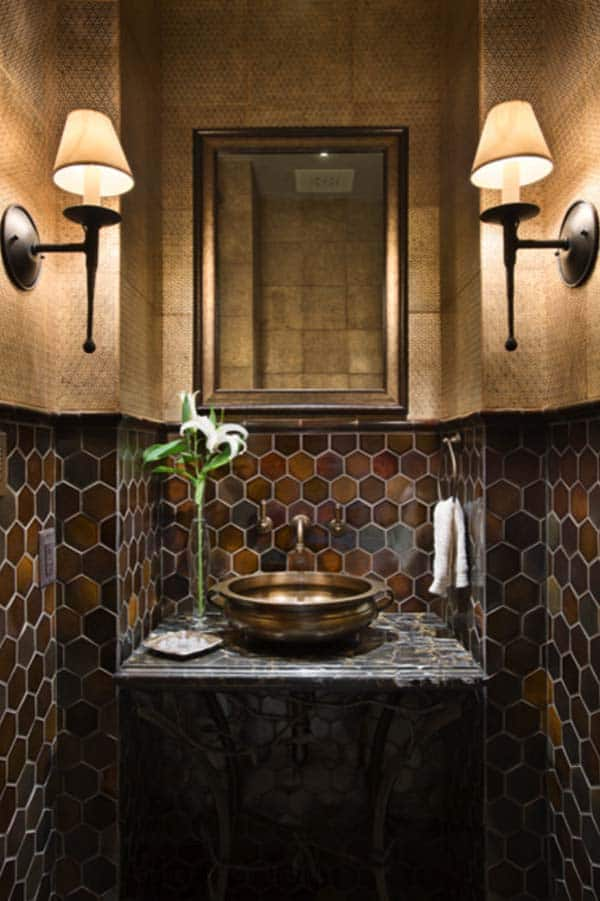 Dark and Moody Bathrooms-10-1 Kindesign