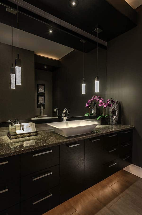 Dark and Moody Bathrooms-17-1 Kindesign