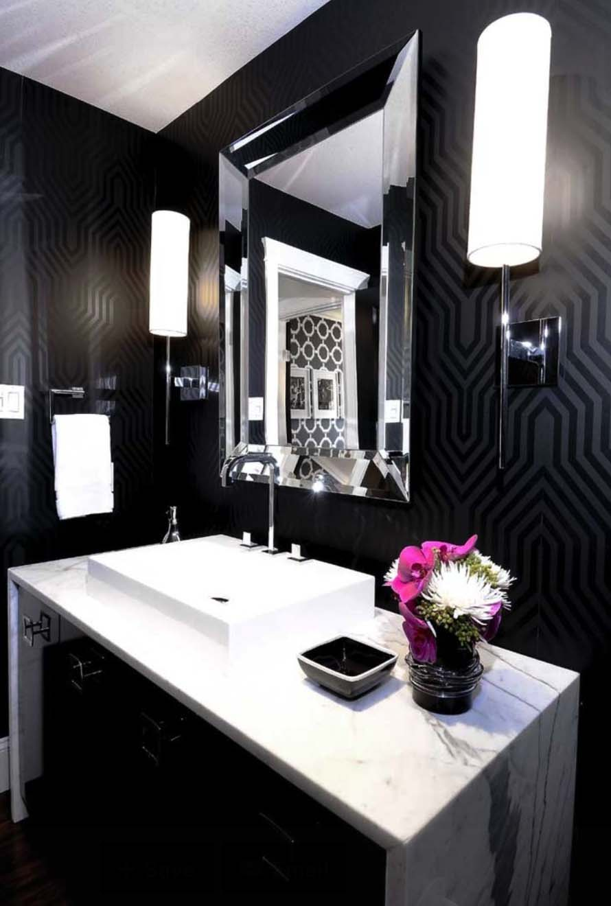 Dark and Moody Bathrooms-36-1 Kindesign